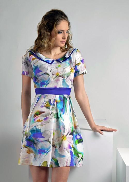 ASTIBO - фустан со преубави цветни мотиви
