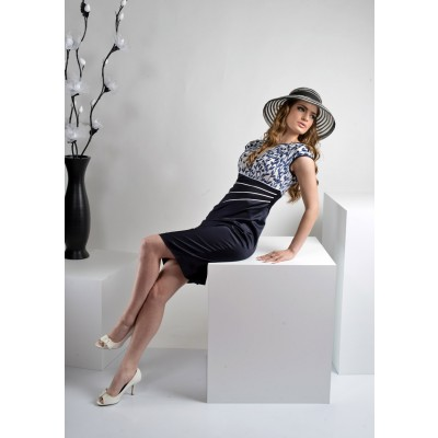 ASTIBO -  елегантен фустан кој ја истакнува фигурата на телото